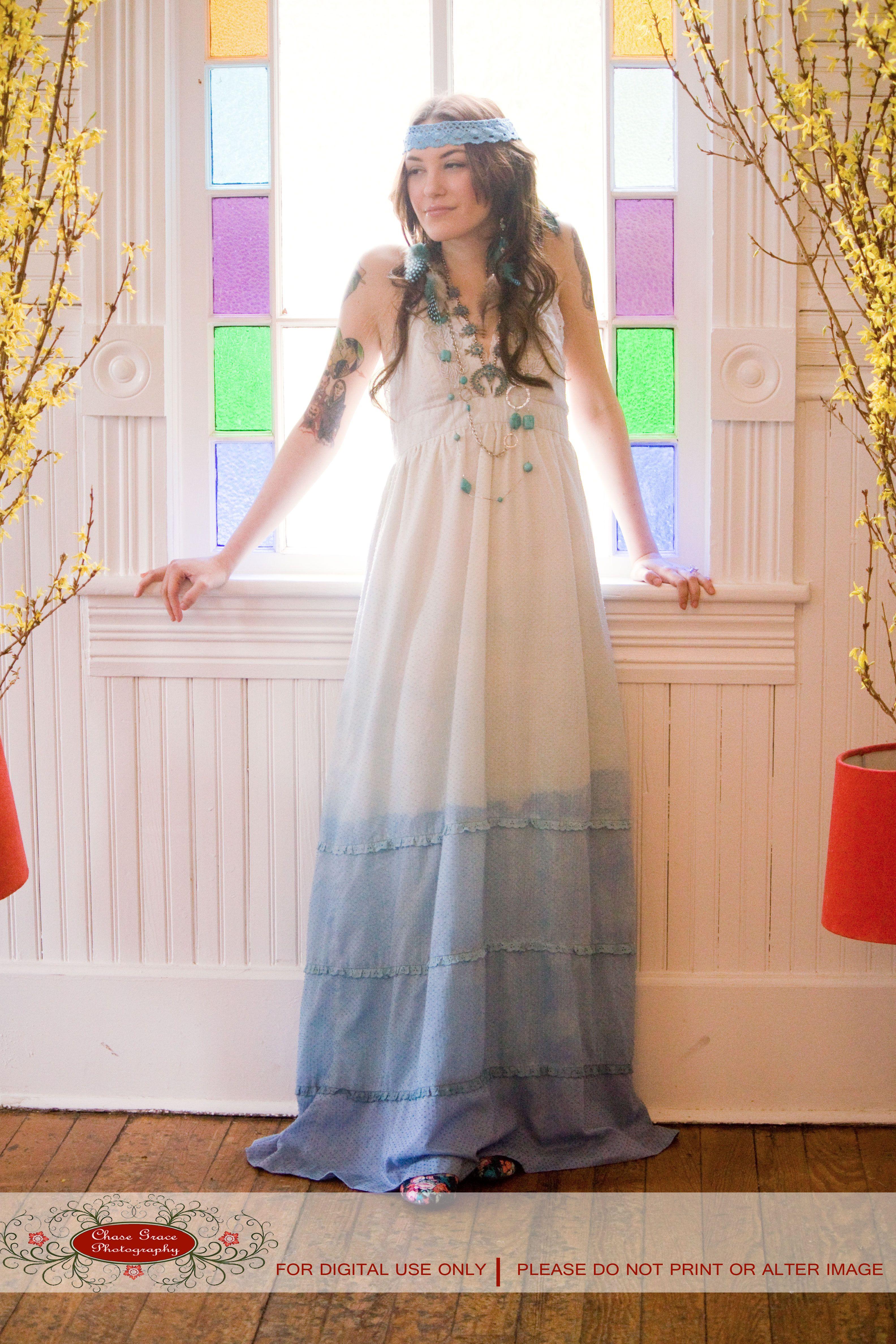 70's theme bride KK's outfit. Wife of the birthday boy | Mi cumple ...