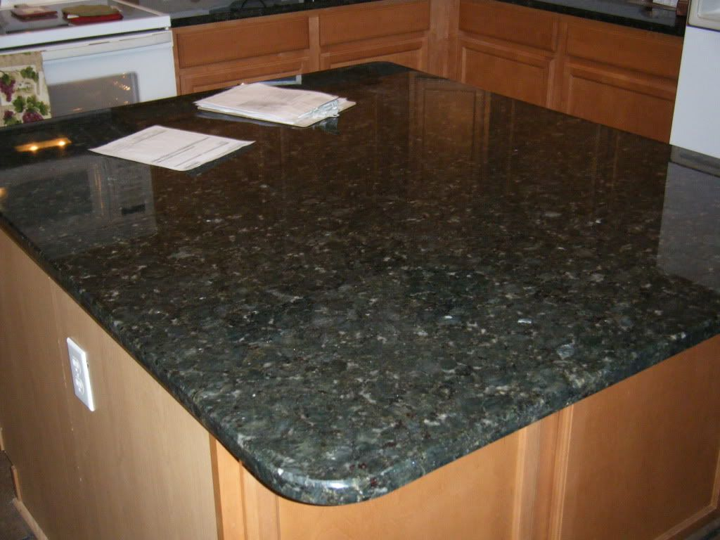 I M Kind Of Liking This Green Granite Granite Countertops Green Granite Countertops Granite Countertops Colors