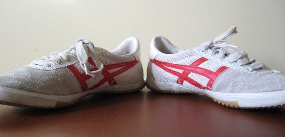 Old school ASICS TIGER White and Red Shoes 1980s Men's 8 1/2 Ladies 10