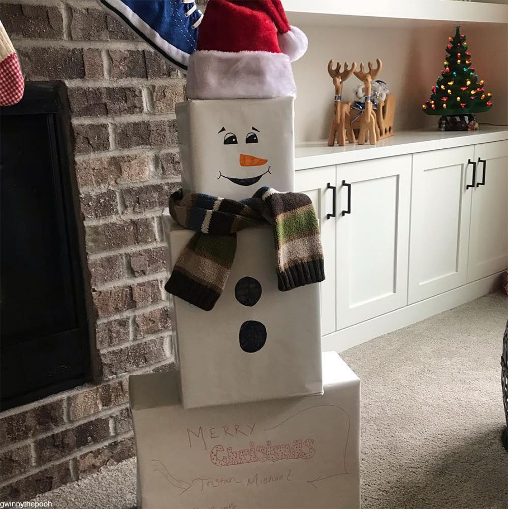 Presents Under The Christmas Tree: Snowmen Under The Christmas Tree This Year Might Save You
