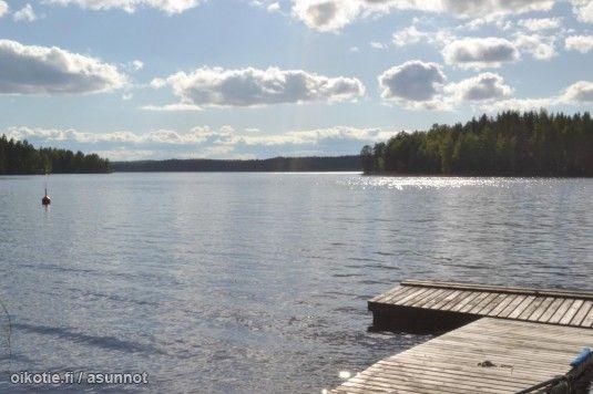 Järven rannalla http://asunnot.oikotie.fi/myytavat-loma-asunnot/8464951