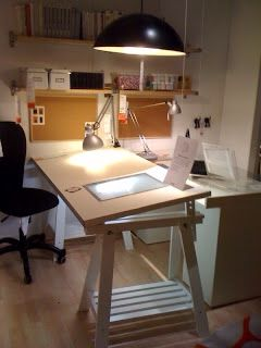 Ooo The Ikea Desk Tilts Good For Drawing Drawing Desk Room