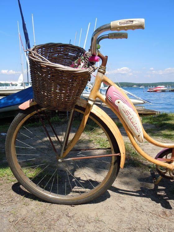 Vintage Schwinn bicycle at Chautauqua Lake