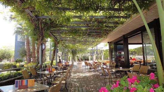 La Pergola Pérgola cubierta, Restaurantes y Palapas