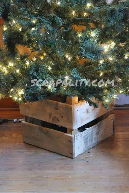 pallet christmas tree stand christmas pinterest. Black Bedroom Furniture Sets. Home Design Ideas