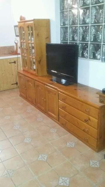 Mueble aparador de madera maciza de pino y color miel, en tres m ...