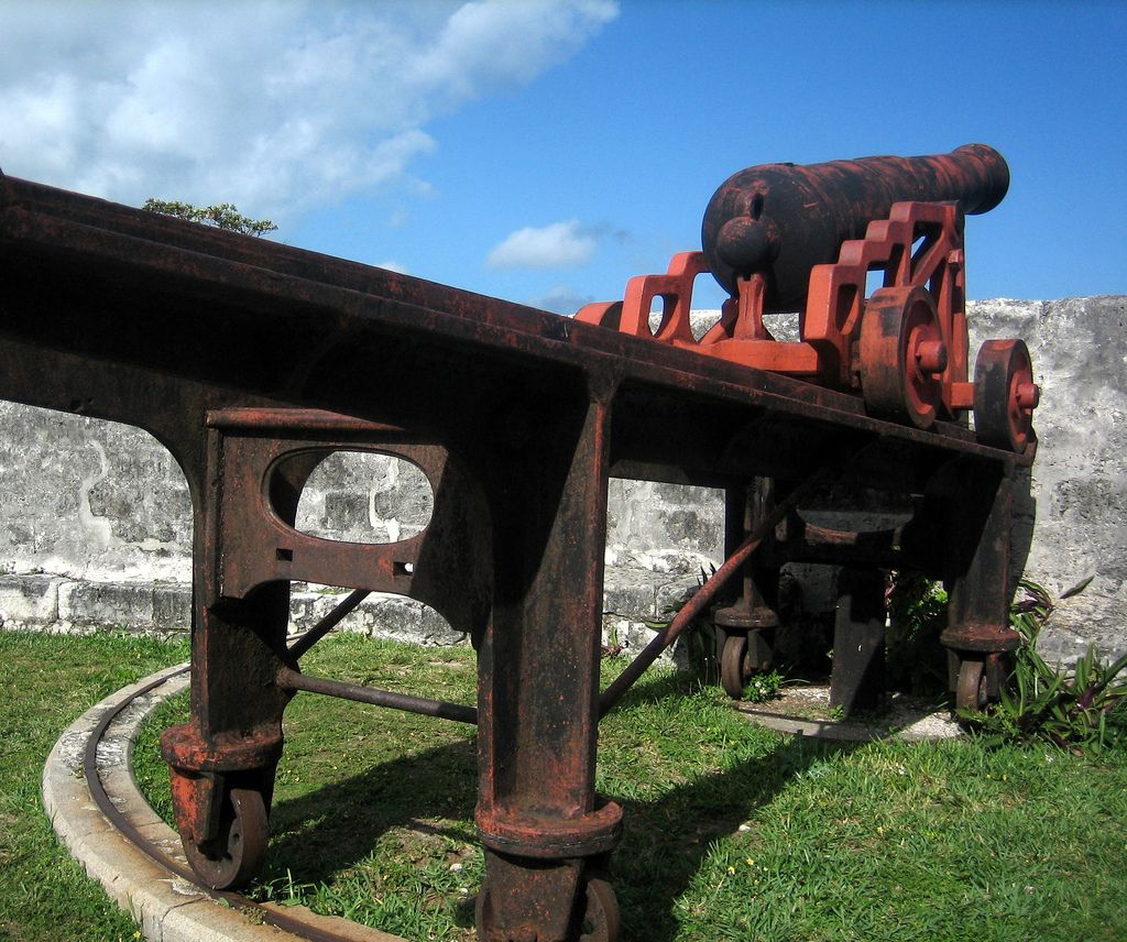 History Of Bahamas - Cannon At Fort Fincastle
