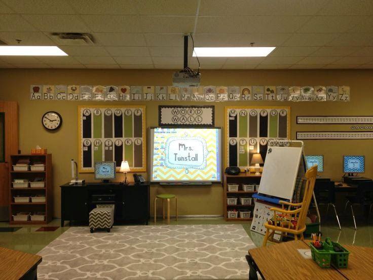 Photo of calm classroom, cozy classroom, neutral classroom