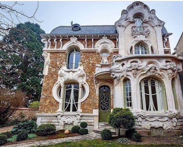 Exterior: Art Nouveau Villa In Orleans, France