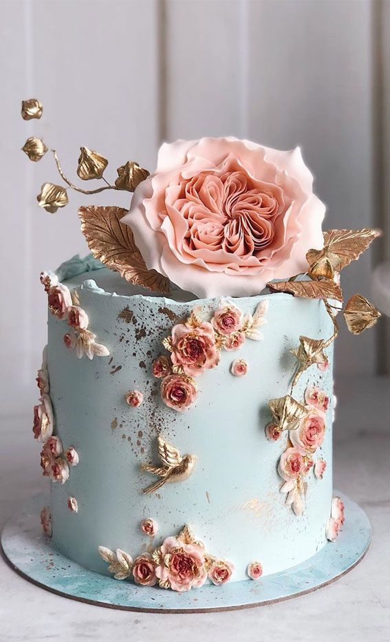 Obsessed With Everything About These Pretty Wedding Cakes – Powder blue Cake