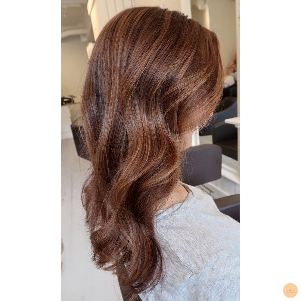 varm mörkbrun hårfärg