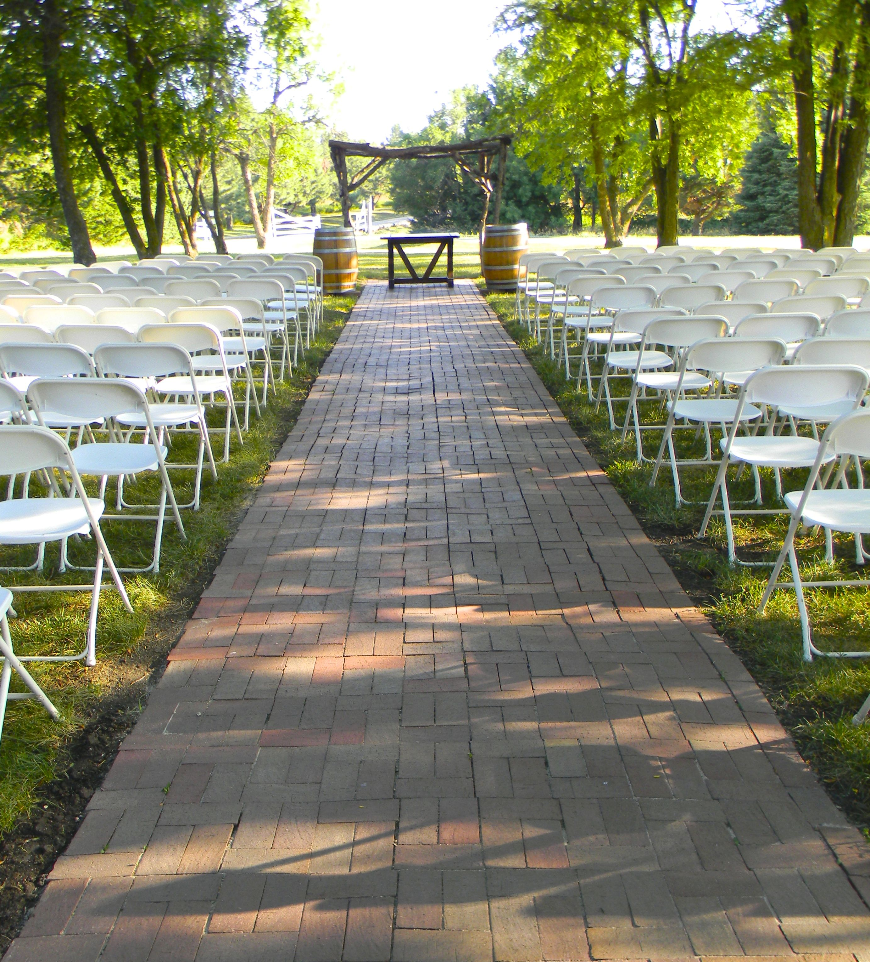 Outdoor Ceremony In The Trees At Country Pines Lincoln Ne
