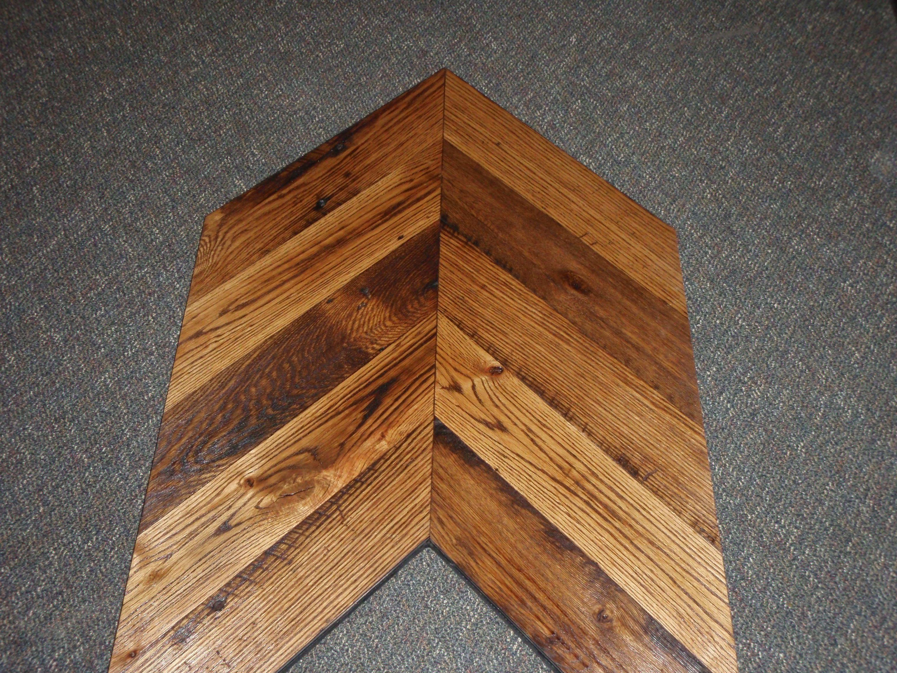 Reclaimed Mixed Oak Chevron pattern Chevron pattern