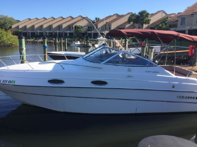 Used 1996 Four Winns 258 Vista Palm Beach Gardens Fl 33410 Boattrader Com Boat Palm Beach Gardens Used Boats