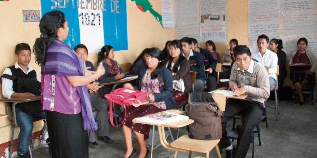Garantizarán educación a pueblos nativos de América Latina