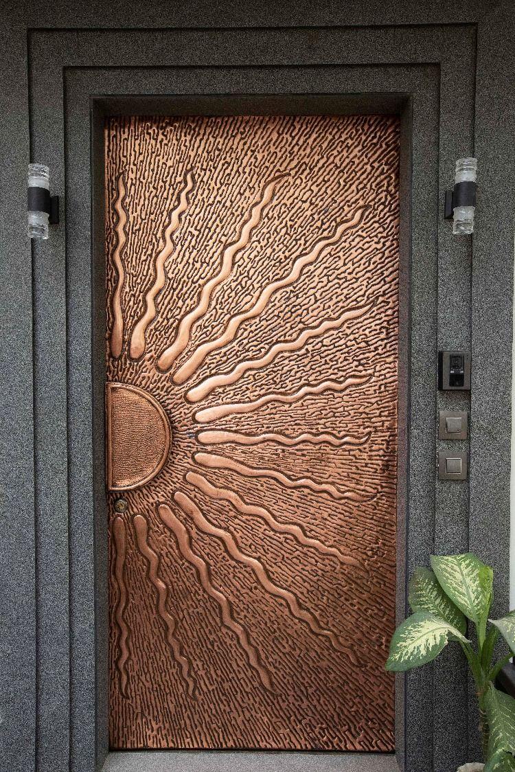 Modern Front Doors Ideas Design Trends 2020 Aluminr Bespoke Luxury Metal Door Manufacturers Wooden Main Door Design Entrance Door Design Main Door Design
