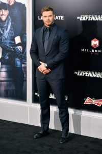 565cfdec6fff Kellan Lutz Mixes Navy   Black for Ermenegildo Zegna Suiting Moment