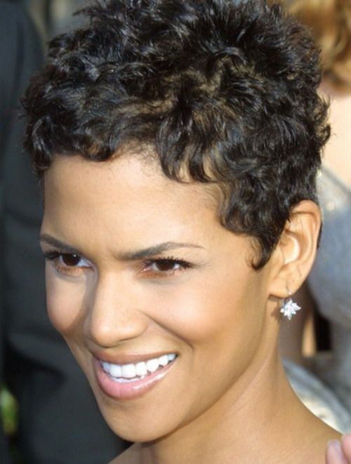 Halle Berry Short Curly Hair : halle, berry, short, curly, Halle, Berry, Curly, Hairstyles, Pixie, Haircuts,, Short, Styles,, Haircuts