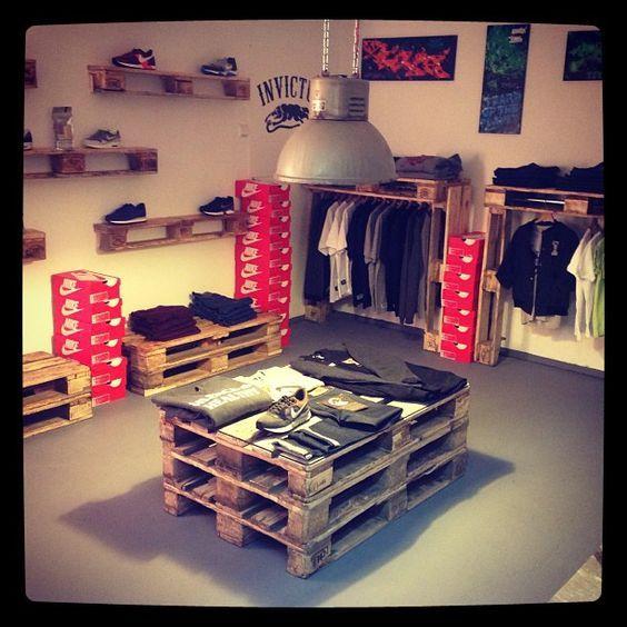 Te atreves a decorar tu tienda con palets local for Ideas para decorar un local de ropa interior