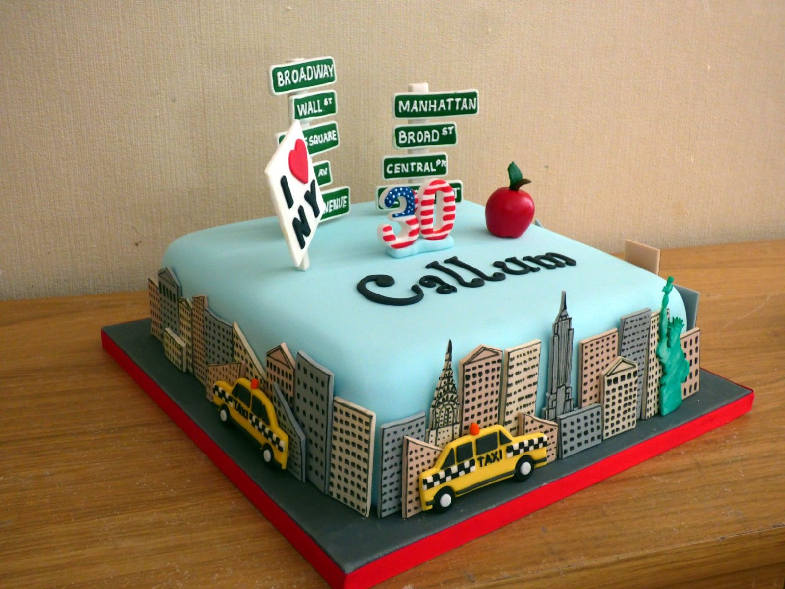 New York Themed Cakes