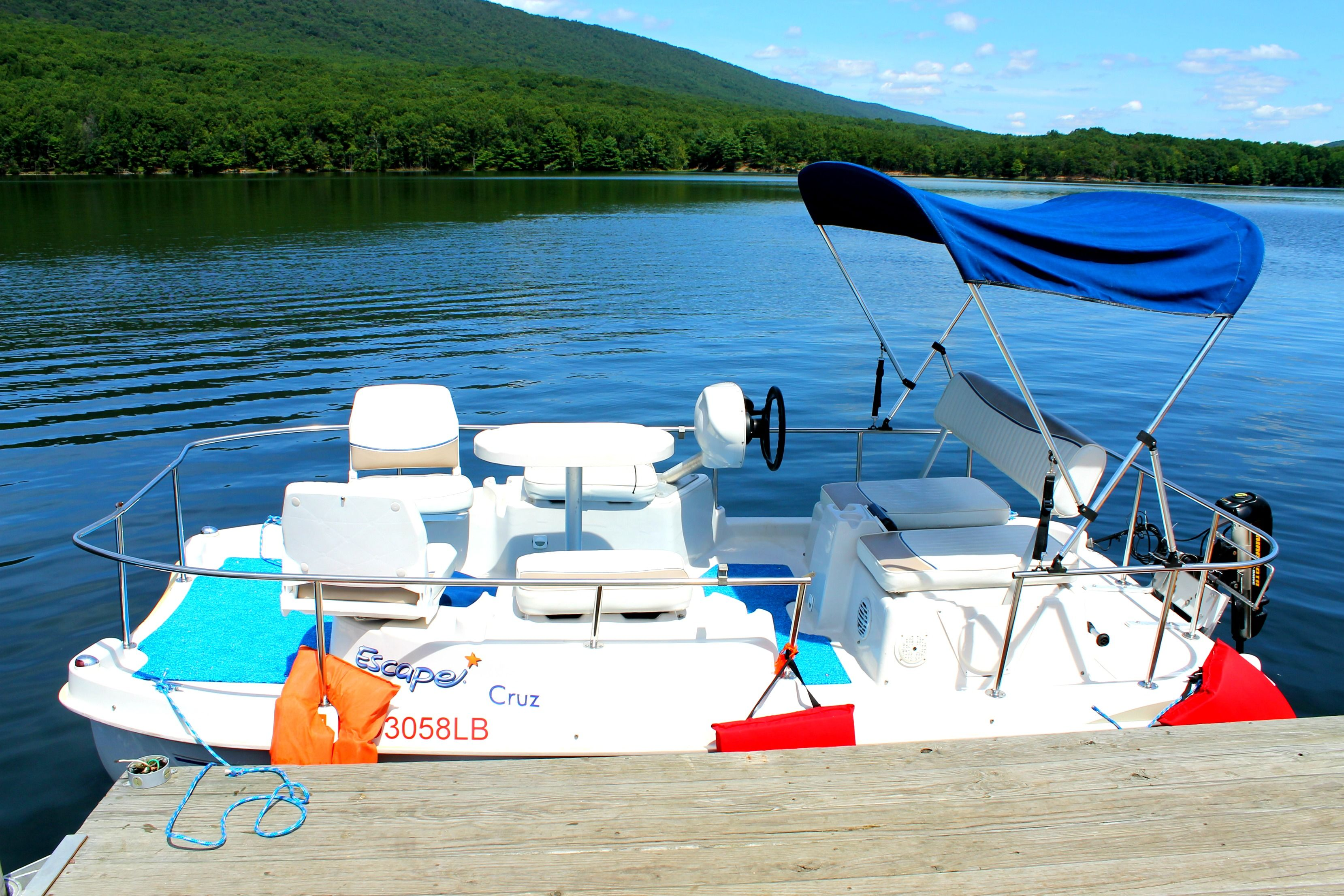 Our new pontoon boat rents for 50 per hour it seats 6