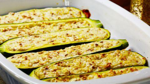 vegetarisch gef llte zucchini rezept vegetarisches. Black Bedroom Furniture Sets. Home Design Ideas