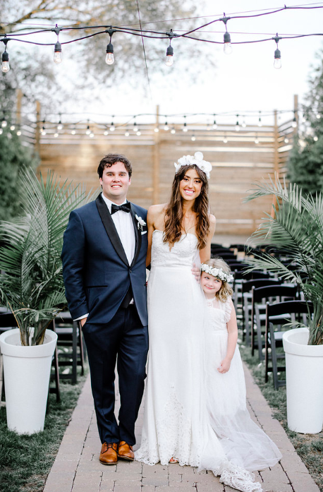 Wedding At The Guild In Downtown Kansas City Missouri In The Crossroads District Shot By Waldron Photograp Lace Weddings Wedding Dresses Wedding Dresses Lace