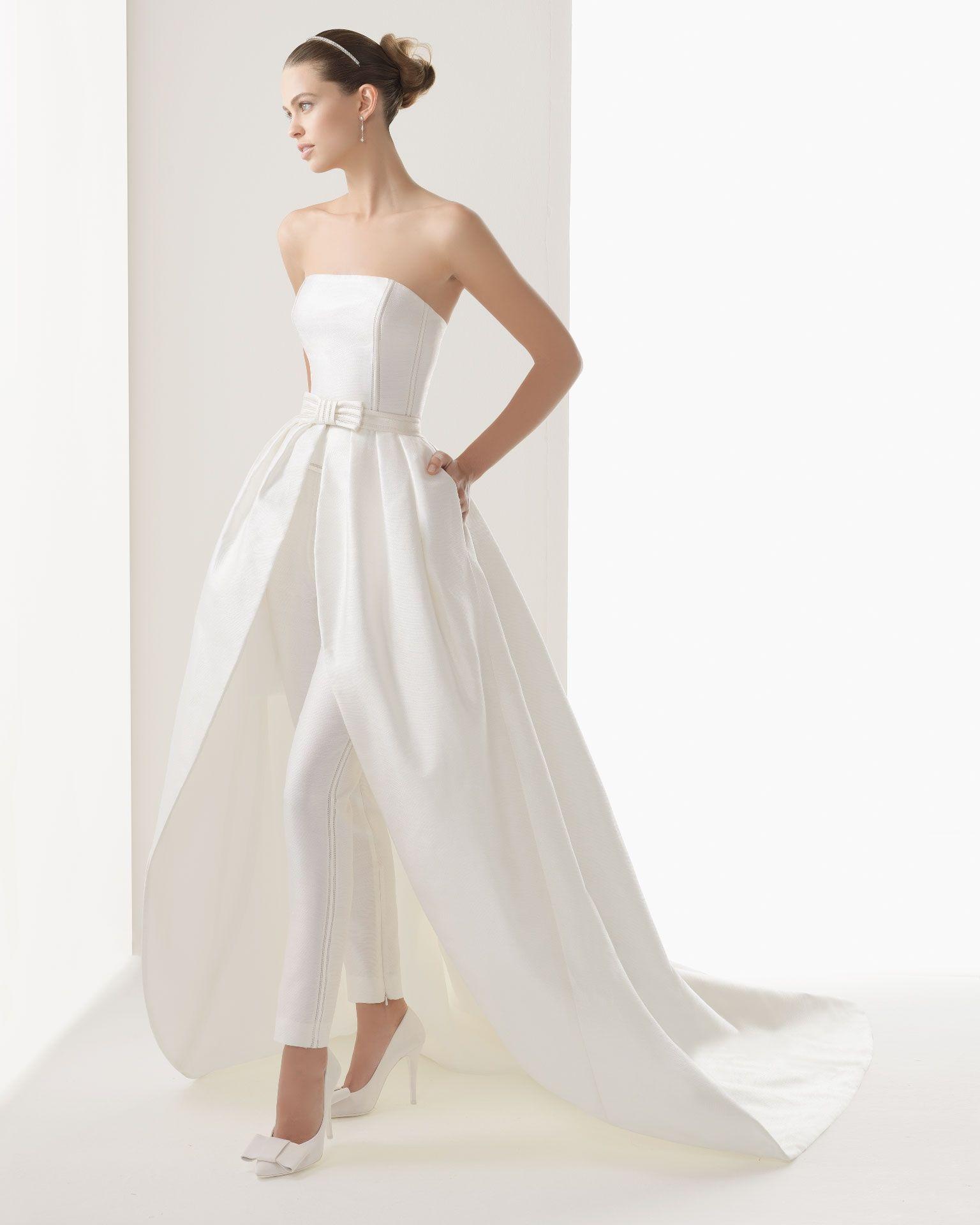 Strapless and backless wedding dress  cloefvo  Novias con pantalones  Pinterest  Maxi shirts