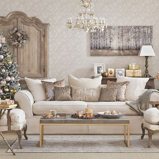 21 Fabulous Rustic Glam Living Room Decor Ideas: Christmas Living Rooms, Gold
