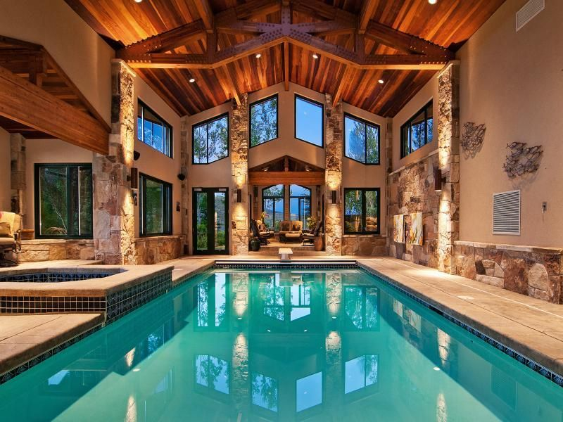 Magnificent Indoor Pool I Want One Like This But With A Very Big Water Slide