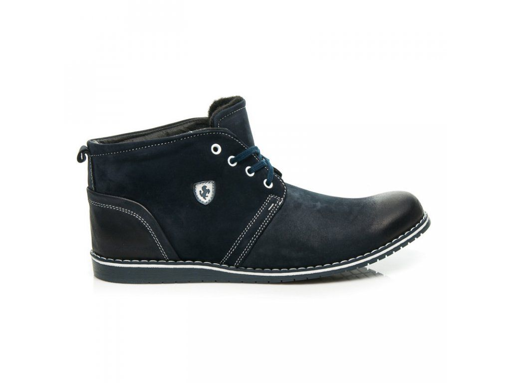 Čierne topánky na jeseň na hrubom vysokom opätku Clowse
