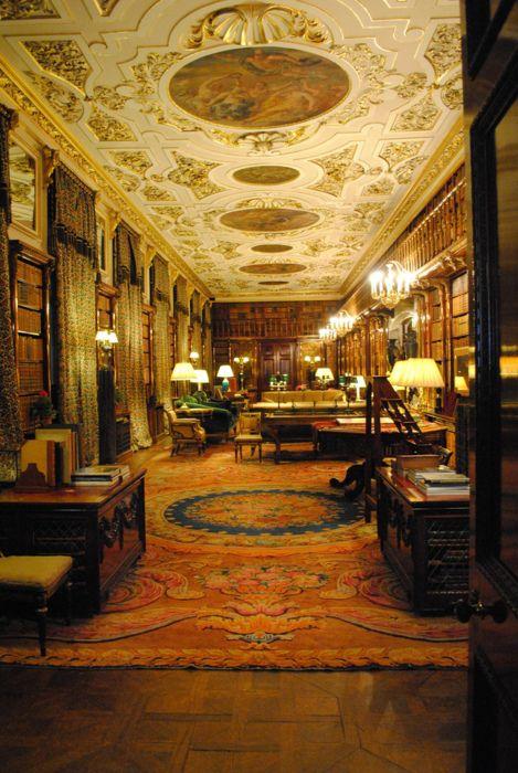 La biblioteca de la casa de Chatsworth en Derbyshire.