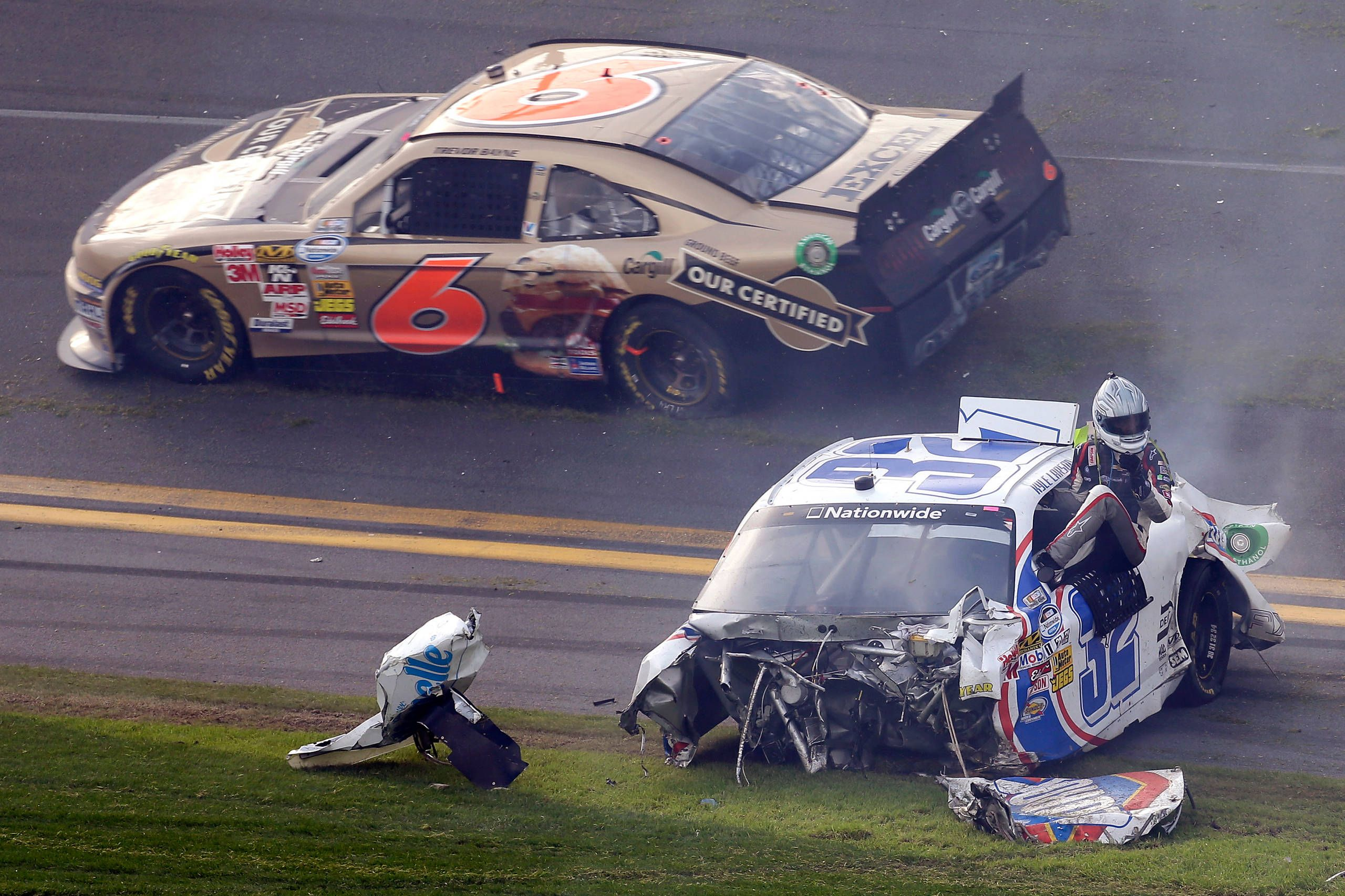 Wreck during last lap of NASCAR Nationwide race at Daytona | random ...