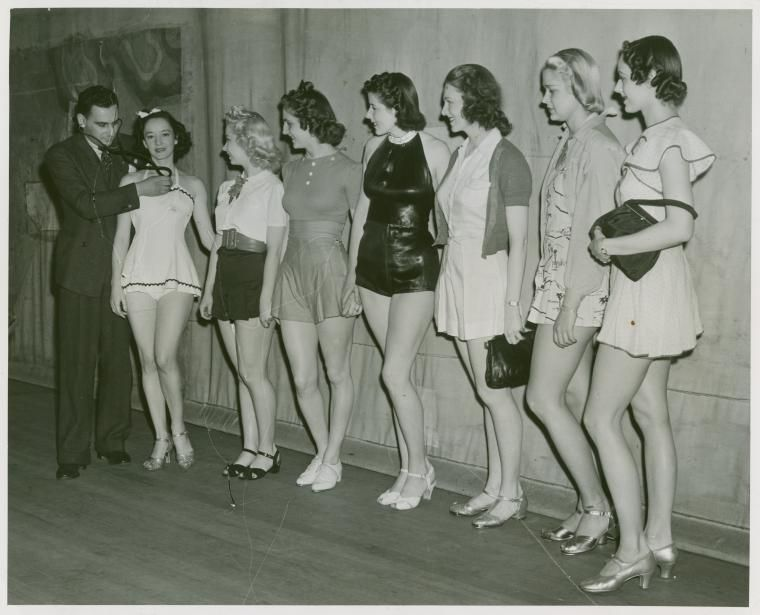 Amusements - Aquacade - Beauty Candidates - Examination by doctor | Retro Beauty Contests in ...