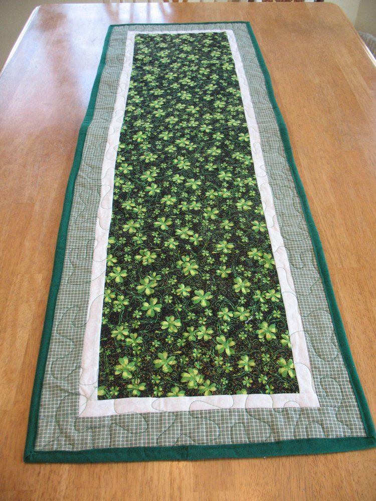 Quilted St Patrick's Day Shamrock Table by SweetDreamsbyMoosie ... : shamrock quilt patterns - Adamdwight.com