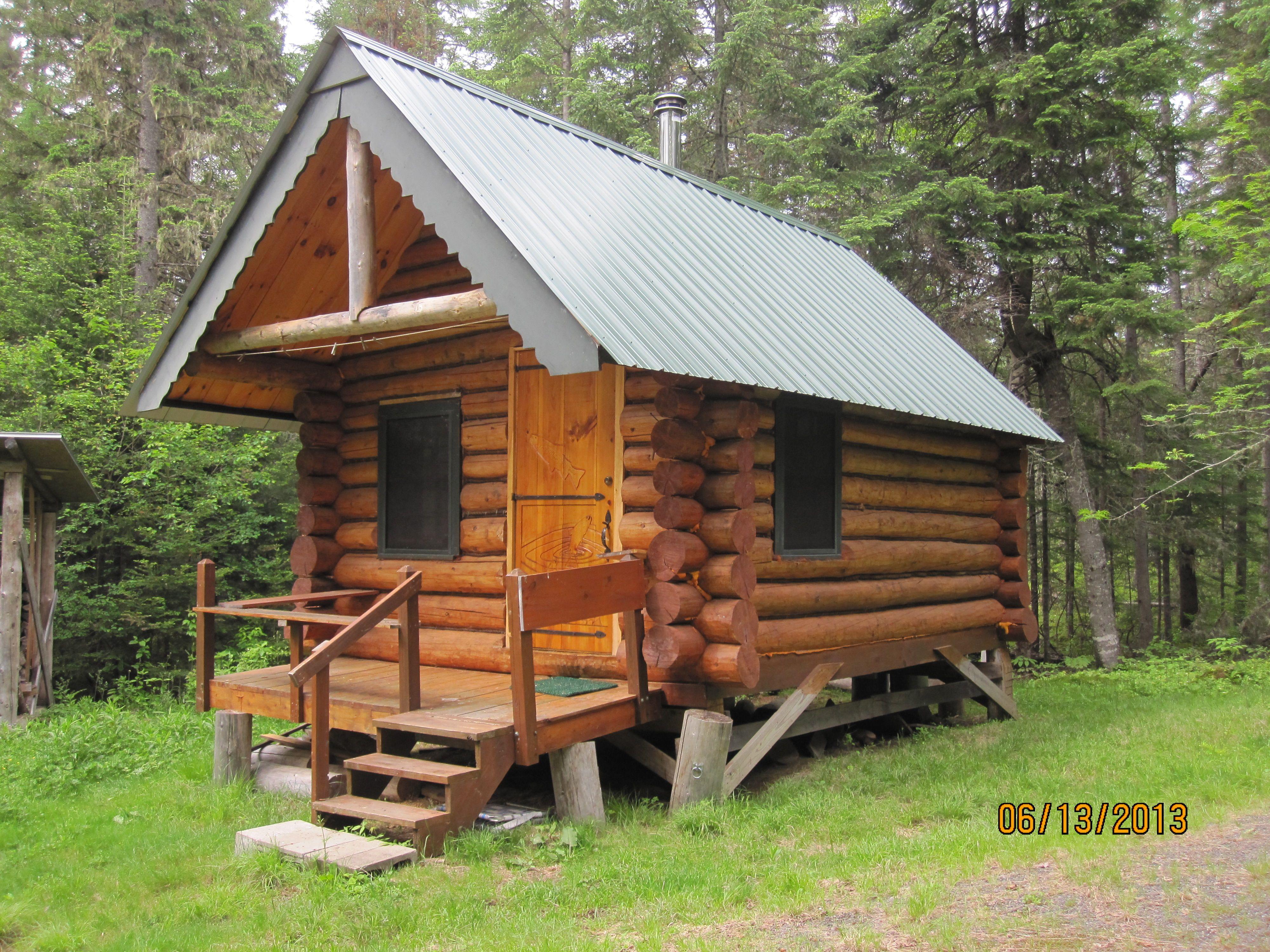 A Little Log Cabin In Maine Cute Little Houses Little