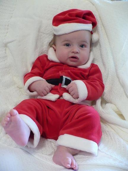 57c408151c La foto de tu bebé en diciembre  el bebé en Navidad