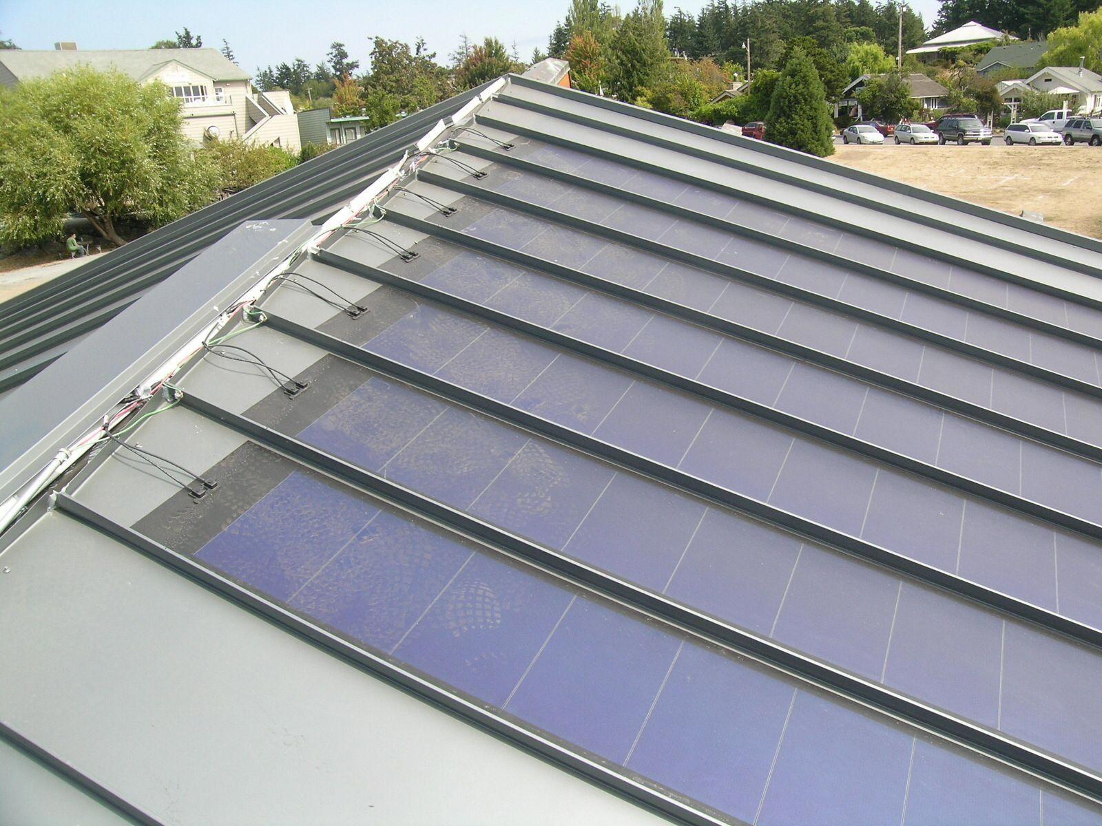 Solar Panels For Standing Seam Metal Roof Solarpanels Solarenergy Solarpower Solargenerator Solarpanelki In 2020 Thin Film Solar Panels Solar Panels Best Solar Panels