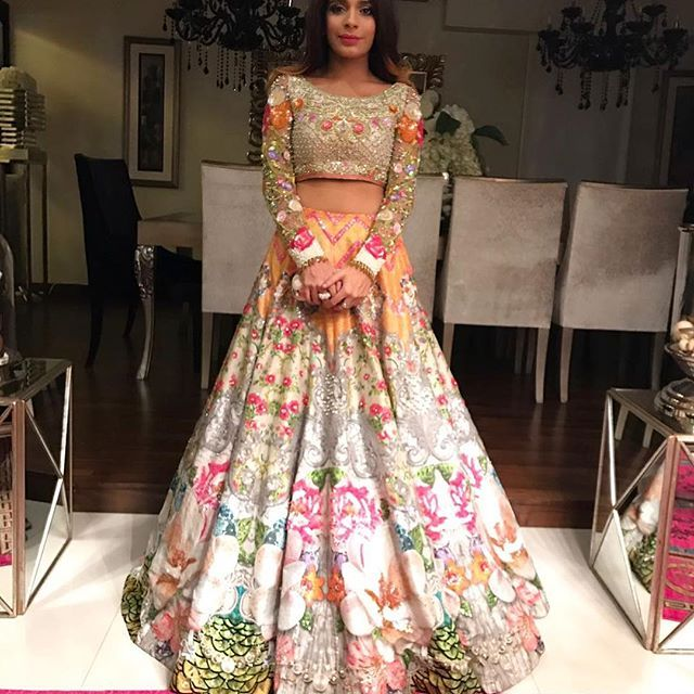 """d46570ad89 Nomi Ansari on Instagram: """"Jannat Mir looks festive, fun and pretty in a  #coral lehnga choli from our #Oudh collection at her mehndi, we love the  pop of ..."""
