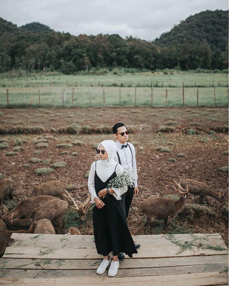 "108 Likes, 3 Comments - Annisa Wulandari (@nsaannisa) on Instagram: ""Prewedding #nisafauzanstory  Photo by @nesnumoto ❣  Makeup by @riekha_ikok_makeup ❣"""