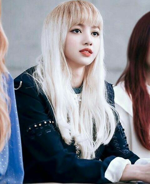 Blackpink Lisa Platinum White Hair With Light Brown Roots Hair