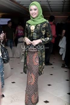 Baju Pesta Zaskia Sungkar Google Search Fashion Pinterest