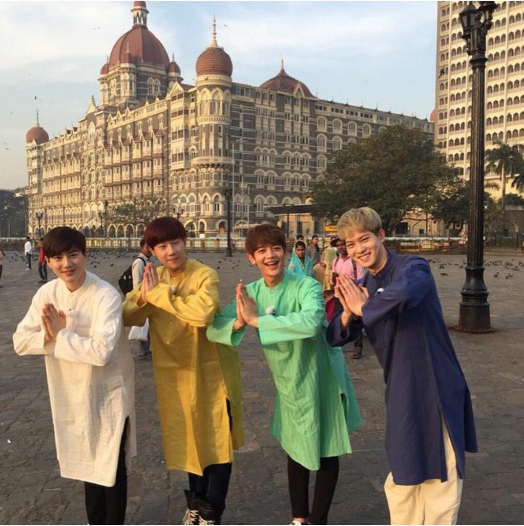 Jh in india jonghyun pinterest lee jong hyun and cnblue suho sungkyu minho jonghyun pose with greetings from india kristyandbryce Choice Image