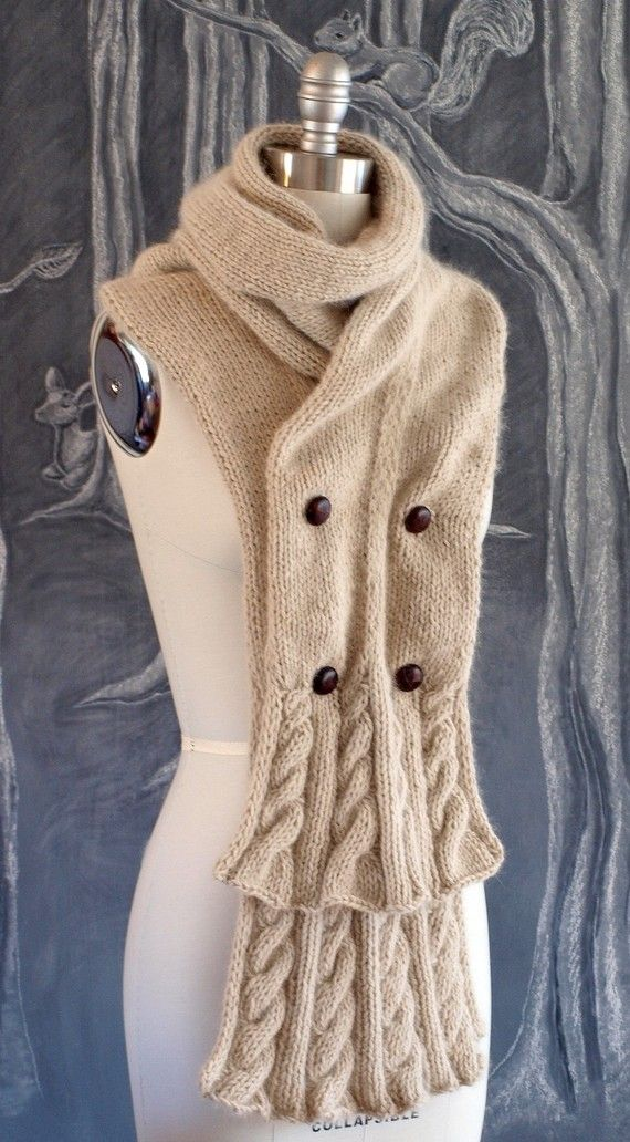 Double breasted scarf. Should be easy to deconstruct. SOOOO CUTE, I ...