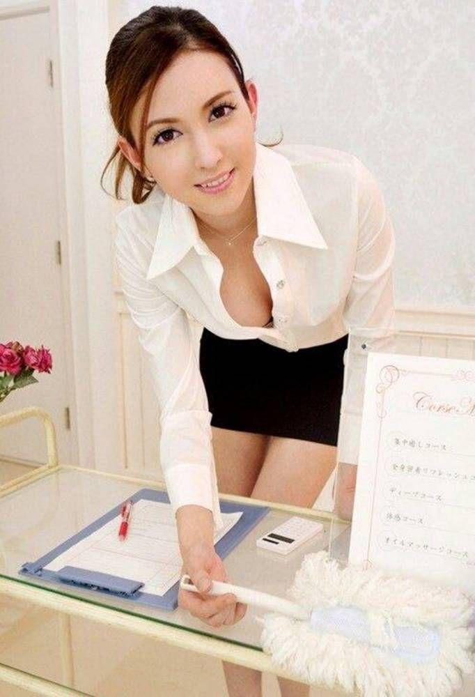 Asian actress in hot sex scene