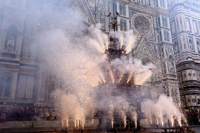 In Florenz gibt es eine Feuerwerk-