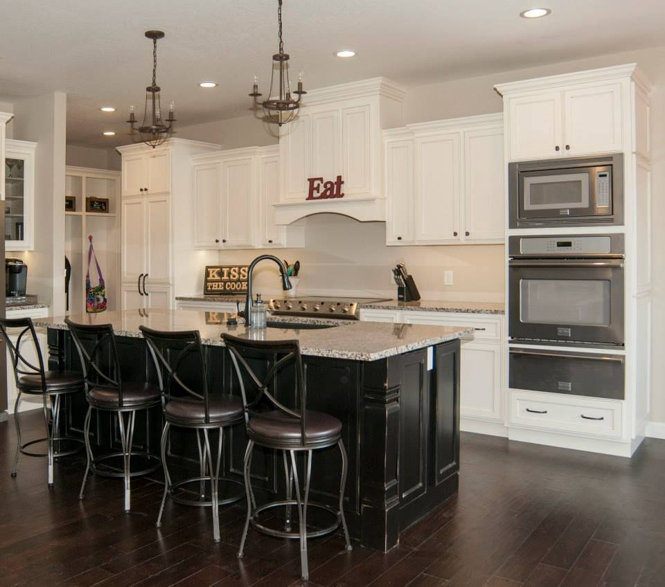 Dark To White Kitchen Cabinets: Off White Kitchen Cabinets/black Kitchen Island