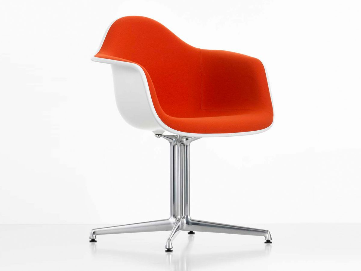 Exceptional Eames Plastic Armchair DAL, 1950