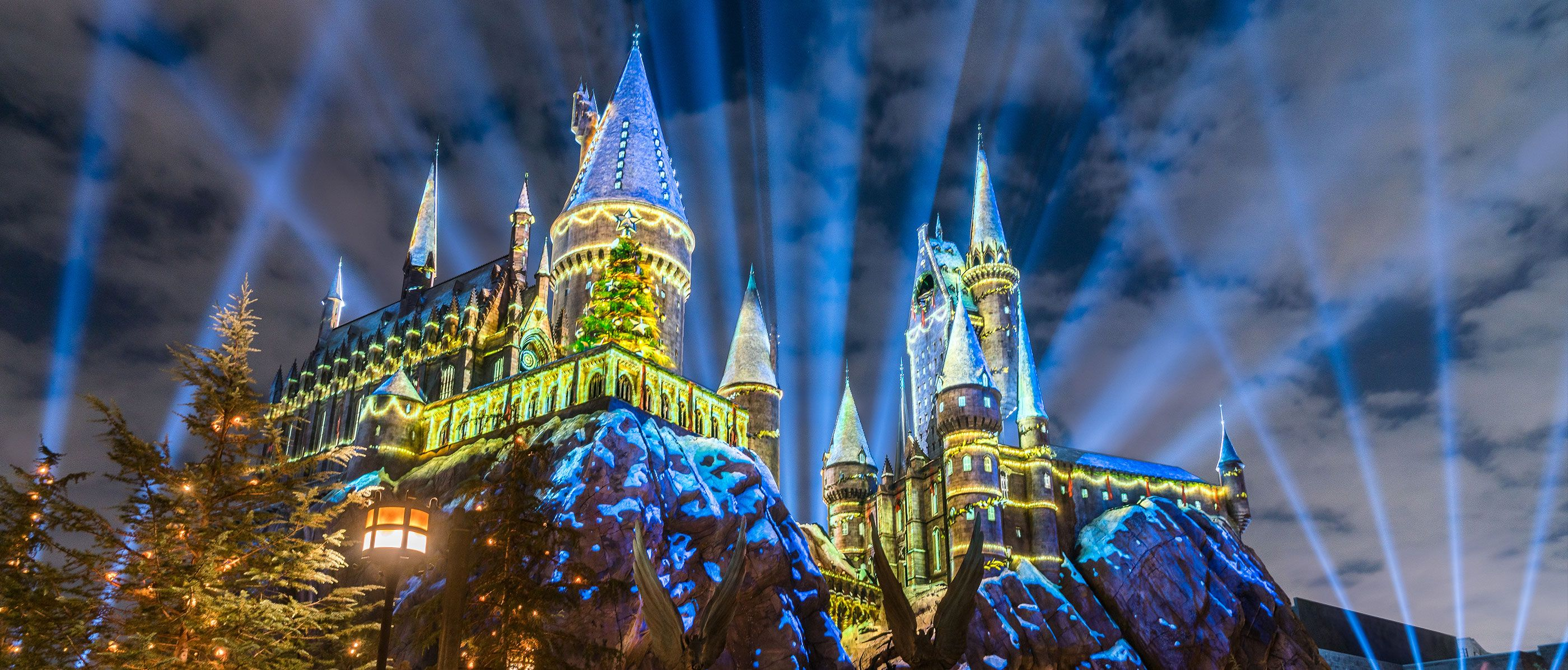 Done Visit The Wizarding World Of Harry Potter For Christmas Someday Maybe Honeymoon Hogwarts Christmas Orlando Holiday Universal Orlando