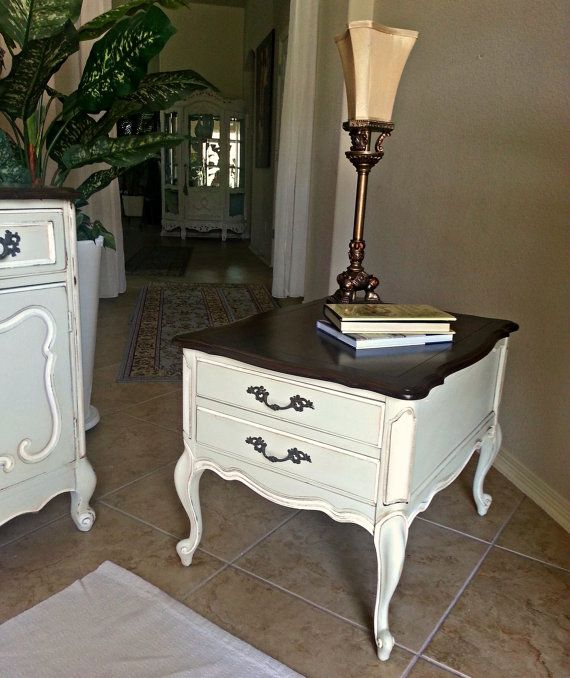 Vintage French Provincial End Table By Claudialardizabal On Etsy